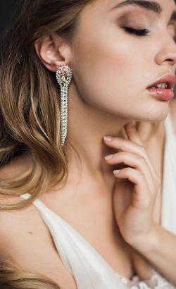JILLIAN earrings White Jasmine Accessories 1